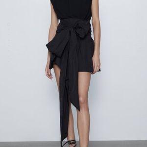 Zara bow mini skirt